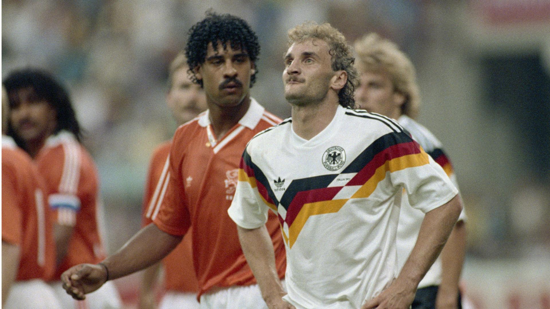 frank-rijkaard-rudi-voller-netherlands-west-germany-1990-world-cup_1ofjbbxfwzef51wu5mu6lsbbm0