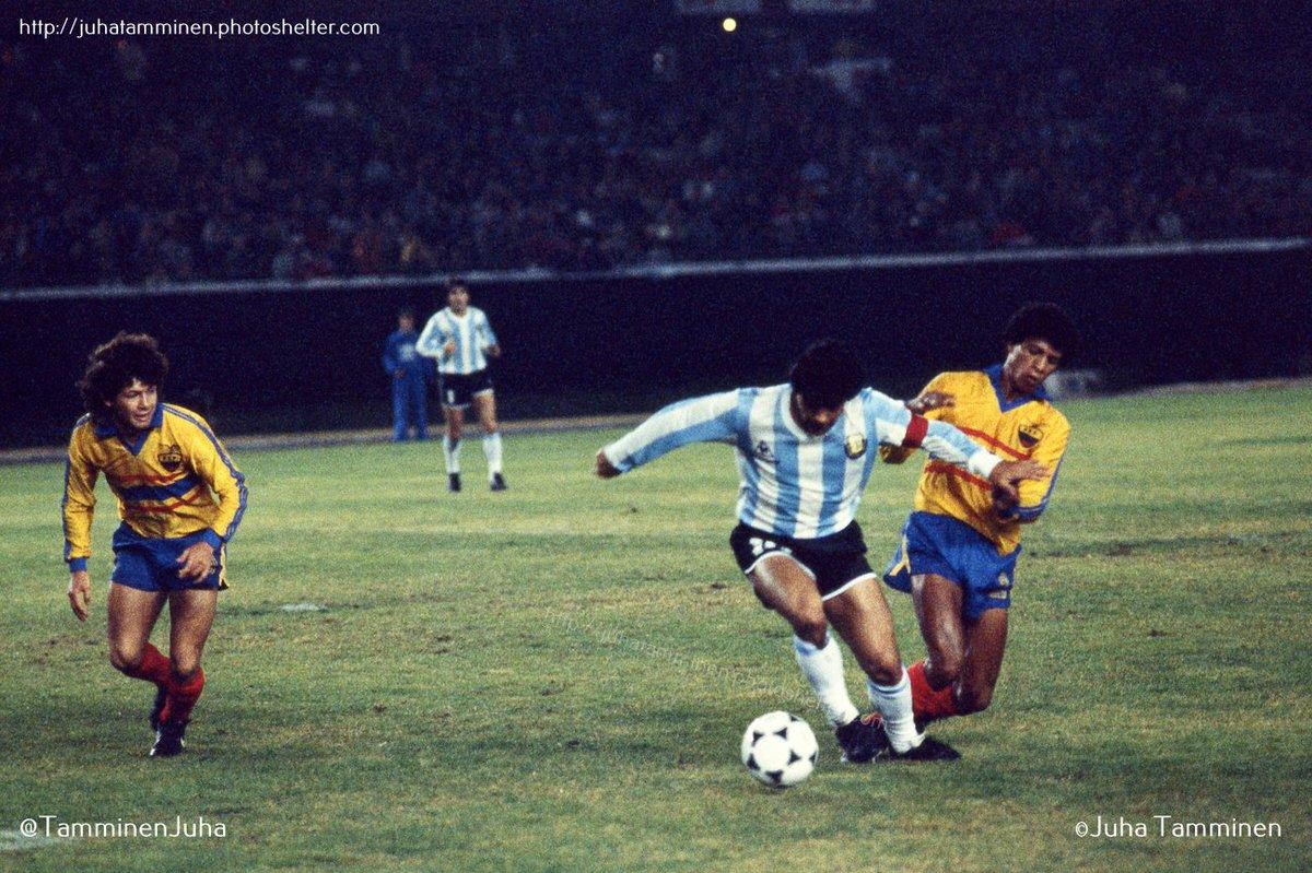 Recomendamos la cuenta de twitter de Juha Tamminen. Con unas fotos increíbles de la historia del fútbol sudamericano @TamminenJuha